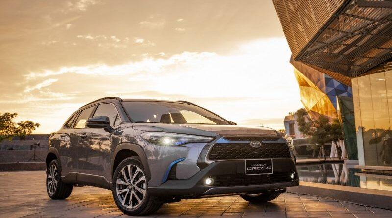 Xe Toyota Corolla Cross 2021: giá bao nhiêu?