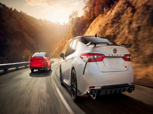 Hình minh họa: Toyota Camry 2021 sở hữu động cơ vận hành mạnh mẽ khác biệt