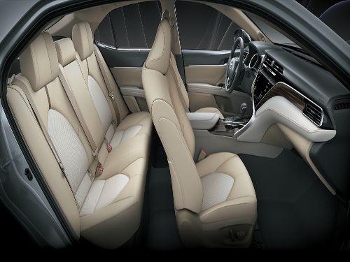Hình minh họa: Toyota Camry đời mới được trang bị đầy đủ các tính năng an toàn cần thiết
