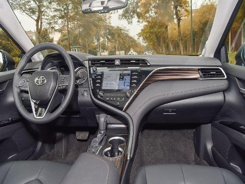 Hình minh họa: Thiết kế nội thất Toyota Camry 2.5Q có nhiều thay đổi